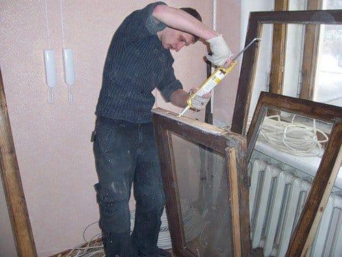 Ремонт и реставрация старых окон. покраска старых деревянных.