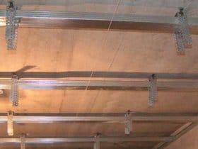Однорівневий стеля з гіпсокартону своїми руками. Монтаж підвісної стелі відео