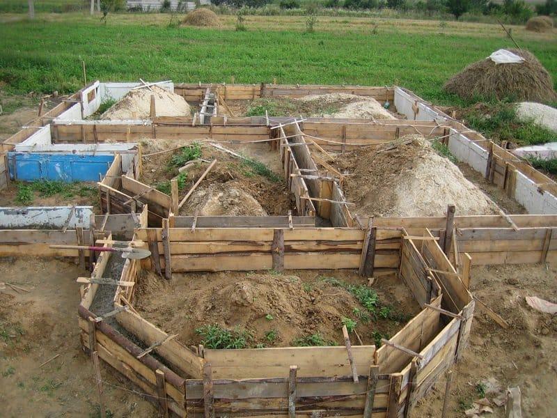 Строительство дома на земле своими руками 98