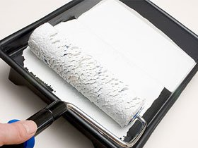 Як правильно фарбувати валиком стелю і стіни