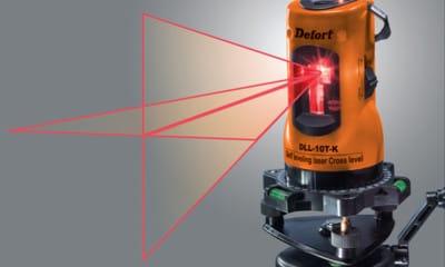 Як відбити рівень підлоги: принцип використання водяного і лазерного рівнів