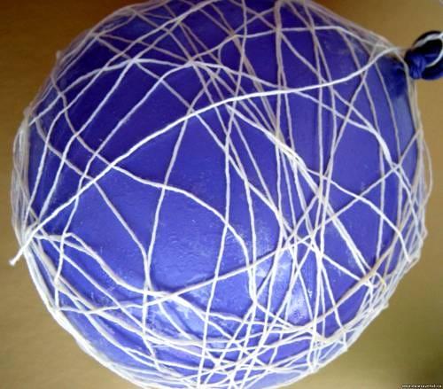 Как сделать поделку из нитки и шарика