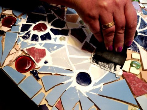 Как сделать мозаику из битых плиток 616