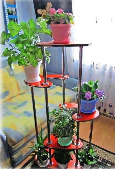 Напольная подставка для цветов из пластиковых бутылок своими руками 9