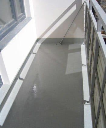 Из чего сделать пол на балконе: какие варианты лучше.