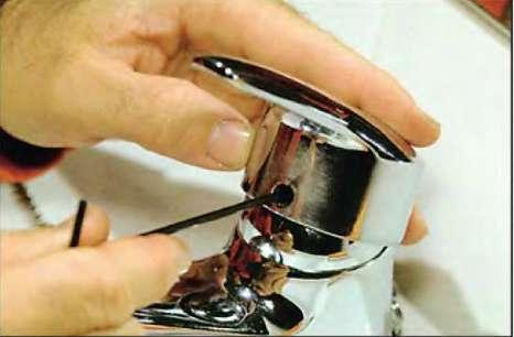 Как поменять смеситель на кухне своими руками видео