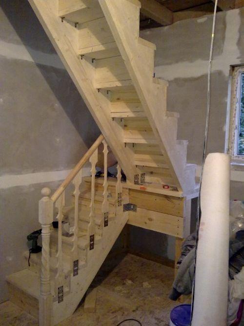 Сделать лестницу на чердак в частном доме своими руками