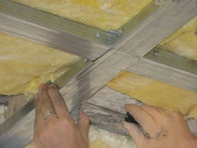 Как утеплить деревянный потолок снаружи в деревянном доме своими руками 1