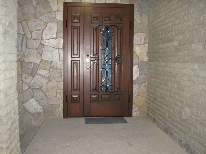 Что надо знать про входные двери