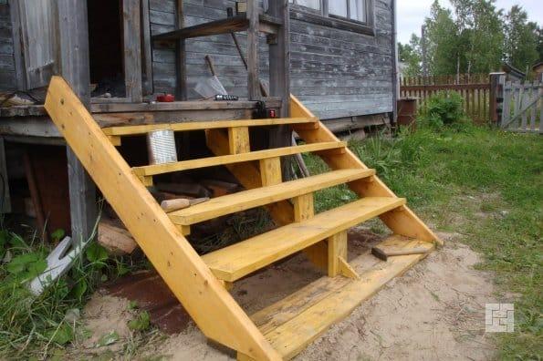 Как сделать лестницу с веранды своими руками 947