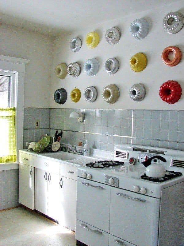 Украшаем стены в кухне своими руками