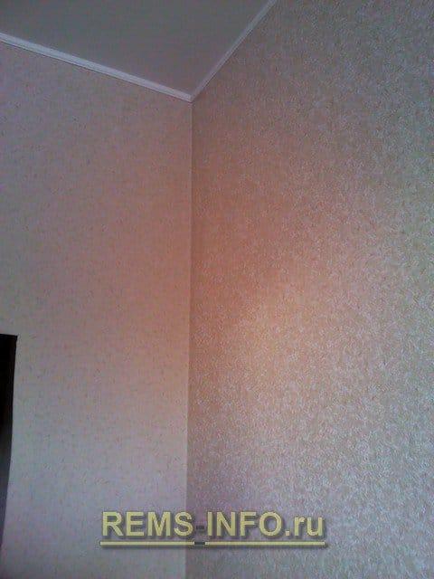 Обклеювання стін шпалерами: тонкощі, поради, хитрості поклейки шпалер своїми руками.