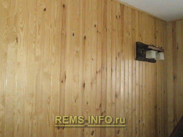 Обшивка внутрішніх стін будинку вагонкою: технологія в покрокових фото.