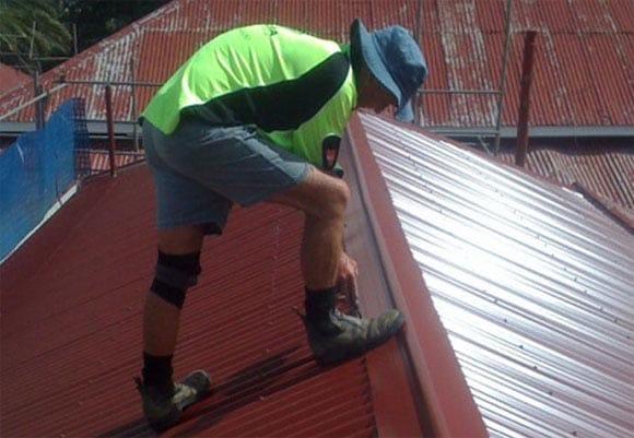 Как покрыть крышу на даче своими руками ондулином