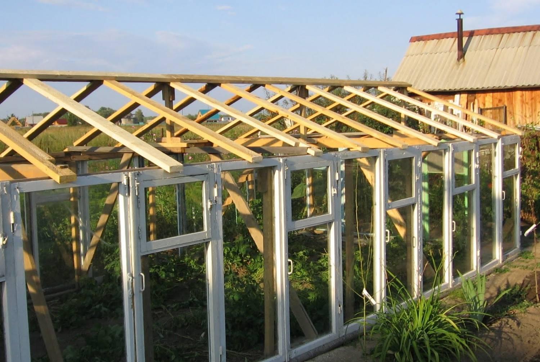 Теплиця з віконних рам своїми руками: формування даху