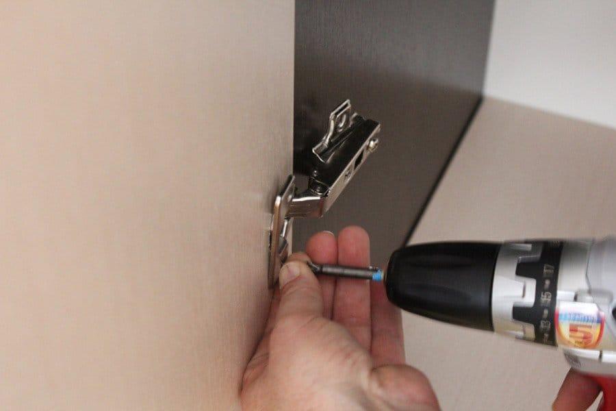 Как сделать петли на дверку 609