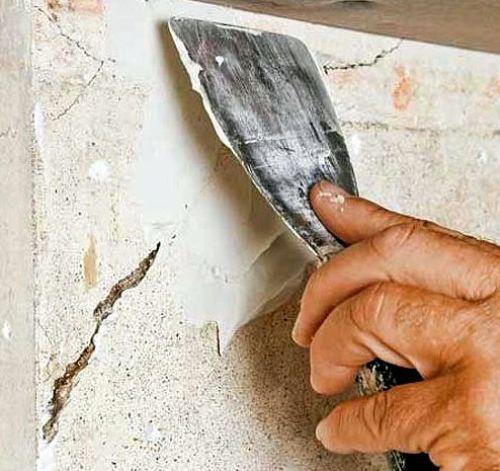 Как зашпаклевать дыры в стене своими руками 8