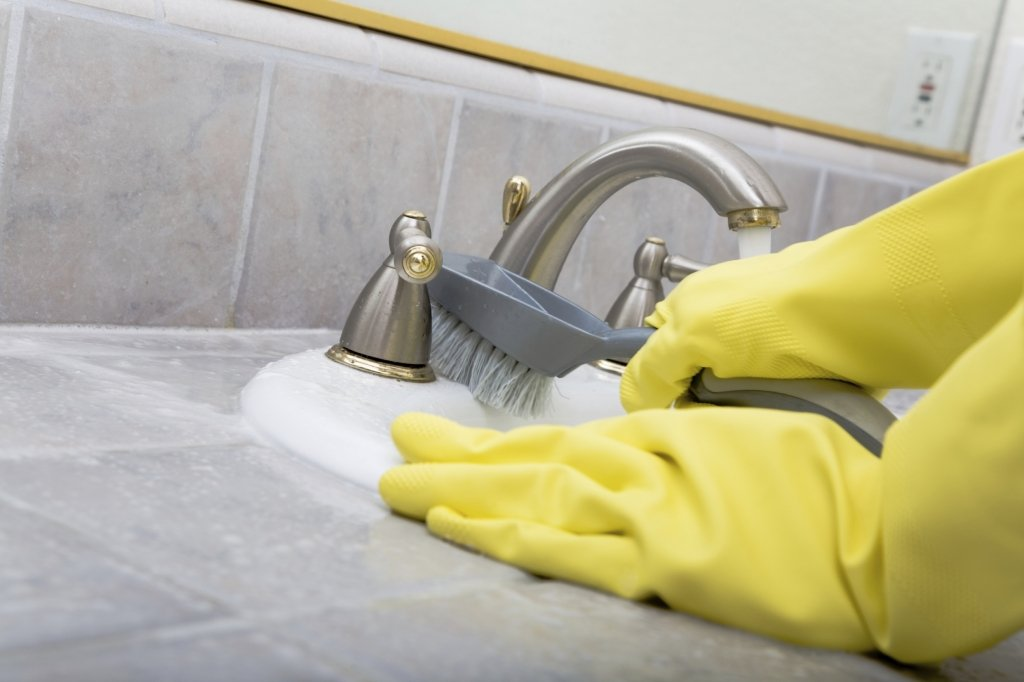 Комахи у ванній і туалеті – методи боротьби і викорінювання