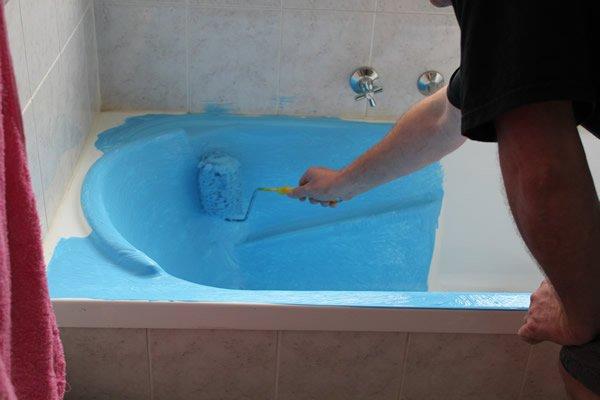 Как правильно покрасить ванну своими руками 80