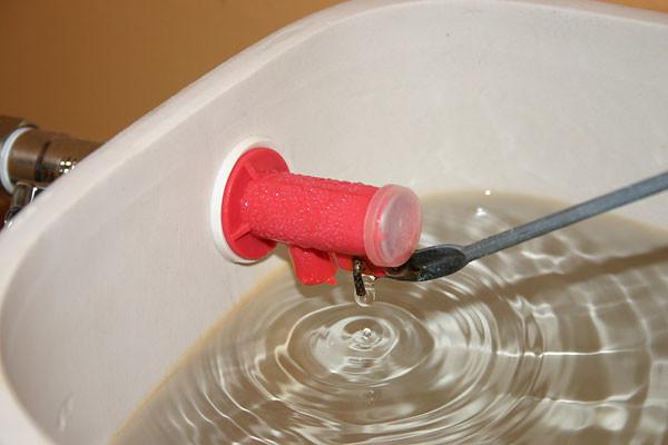 Арматура зливного бачка унітазу: як встановити і відрегулювати