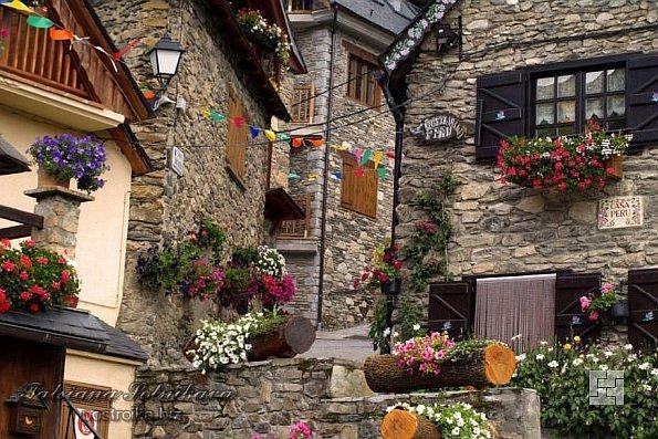 Декор своими руками для дома фасад 10