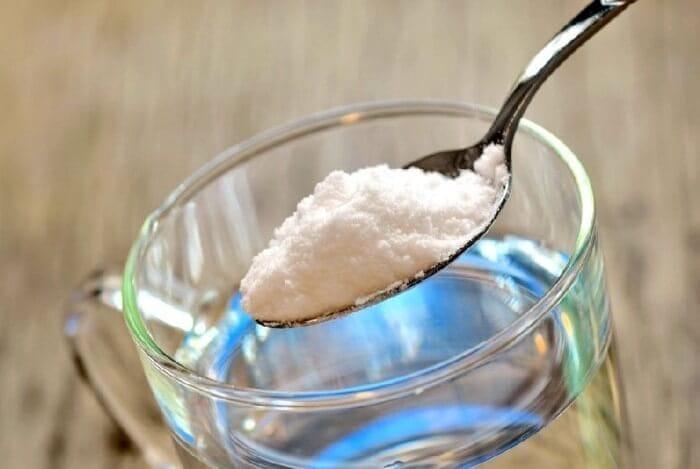 Полив капусти сіллю від шкідників