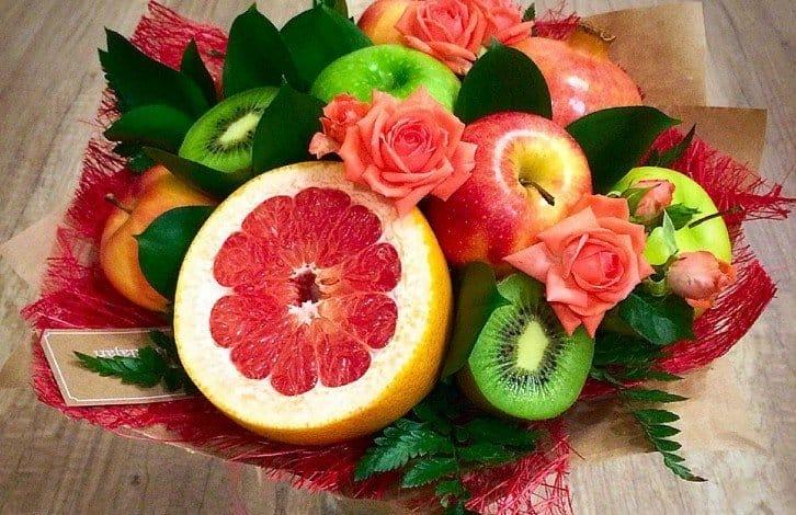 Робимо найдешевший букет на 1 вересня з дачних квітів і фруктів