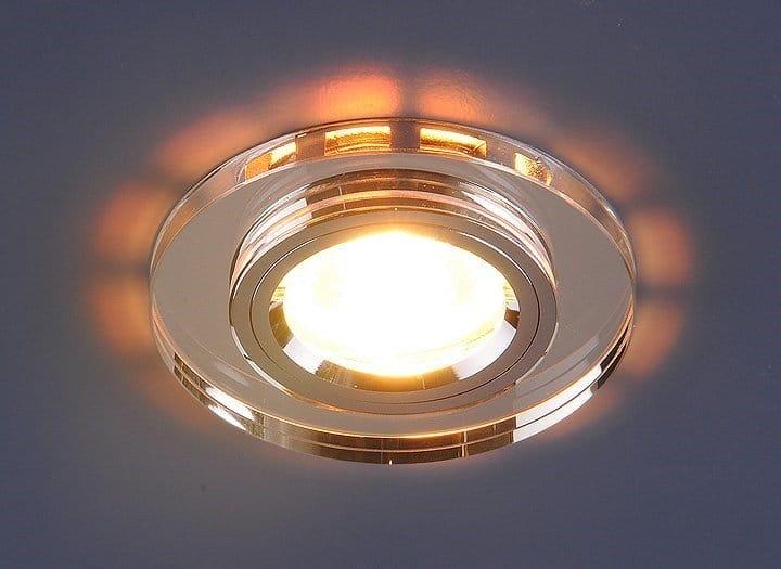 Види вбудовуються в стелі світильників