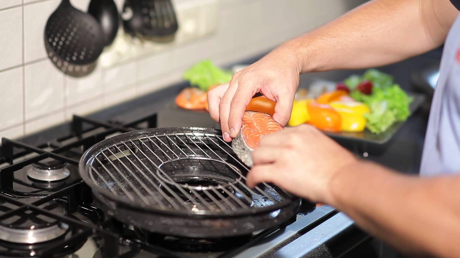 Сковорода-гриль на газову плиту: як вибрати, з яким покриттям краще