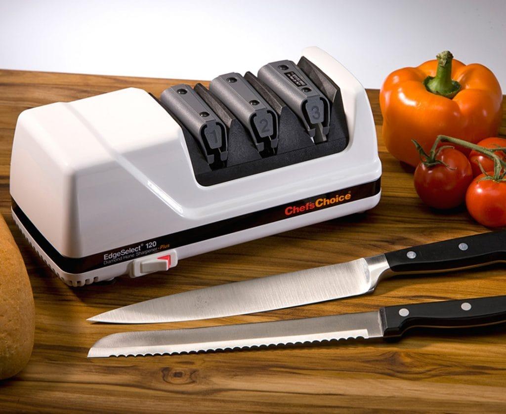Якісні кухонні ножі: відмінності, види, допоміжні аксесуари до ножам, матеріали