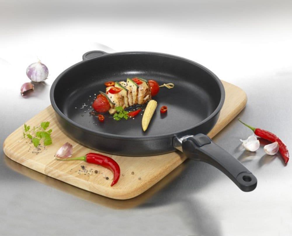 Сковорідки з Німеччини Amt Gastroguss: сковорода-гриль Амт, посуд Amt