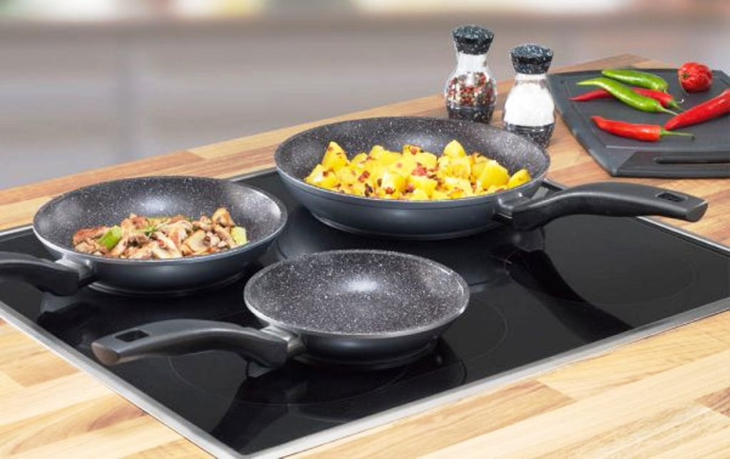 Сковорода для смаження без масла: як називається антипригарна сковорідка, на який можна смажити, яке покриття краще