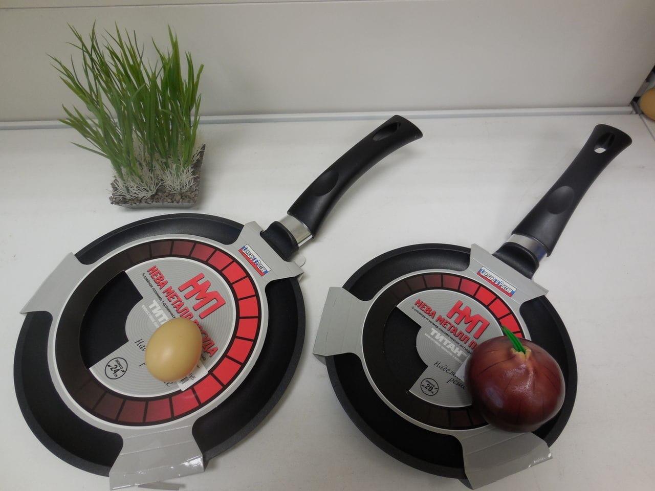 Сковорідки фірми Нева-метал: з титановим і кам'яним покриттям, млинцеві і сковороди-гриль, чавунні зі знімною ручкою і кришкою