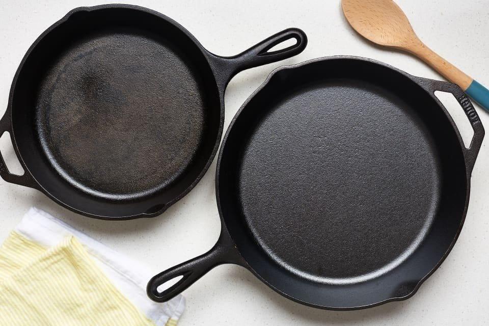 Чистка сковорідок від нагару з допомогою клею і соди в домашніх умовах: як очистити канцелярським клеєм і кальцинованою содою