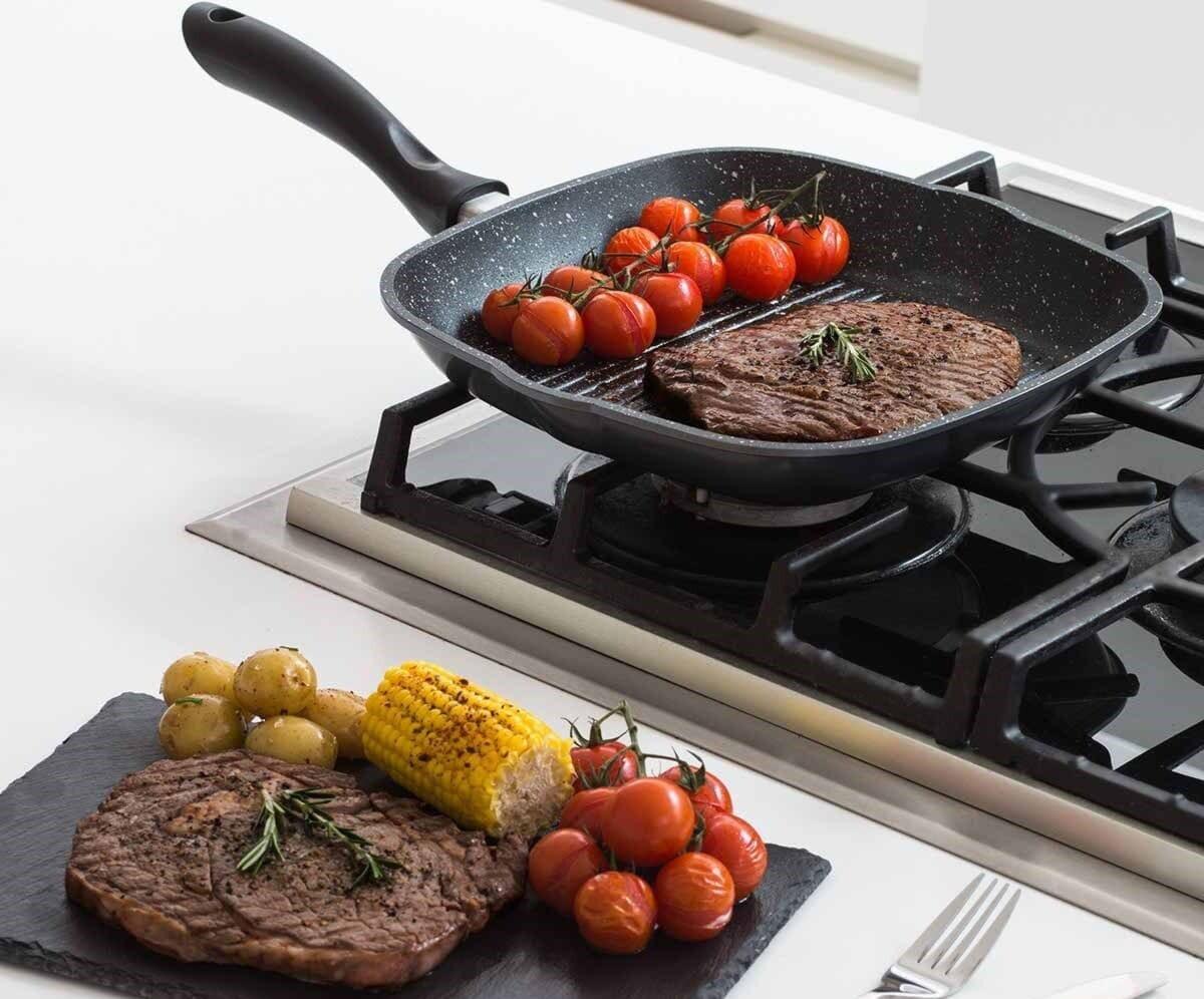 Рейтинг кращих чавунних сковорідок-гриль: як вибрати для газової плити, яка краще, чим відрізняється від звичайної
