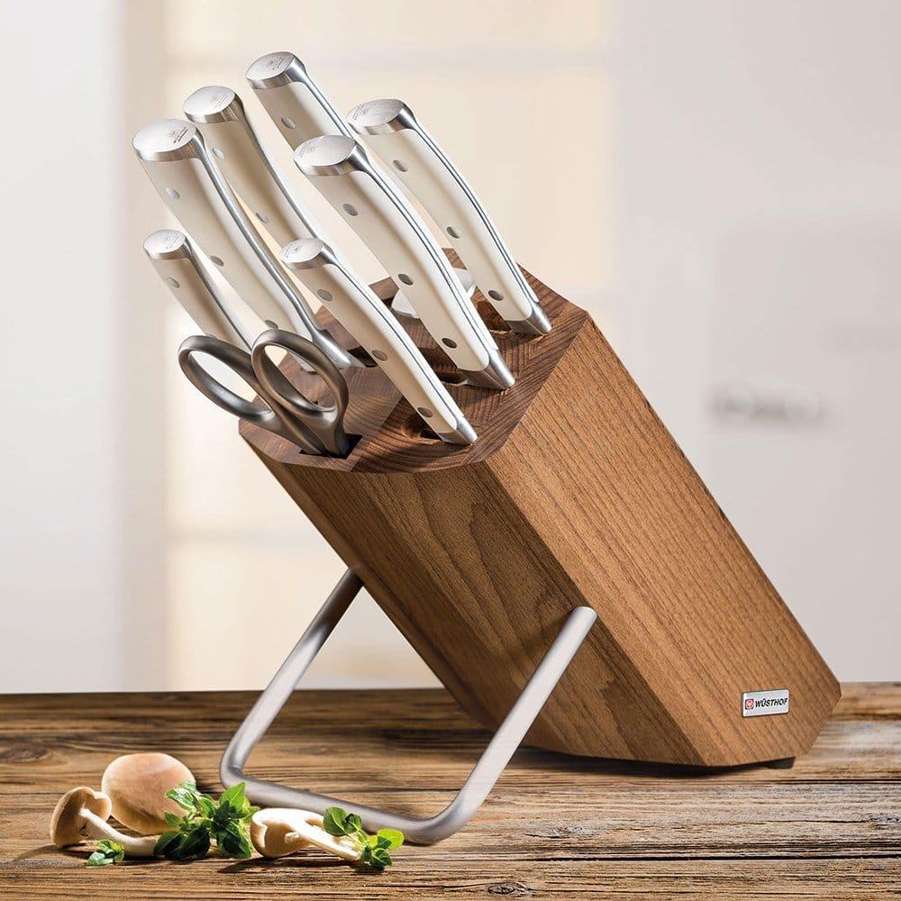Тримачі для ножів: різноманітність, матеріали, форми, види за призначенням, колір