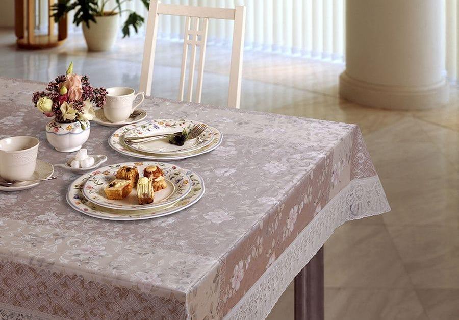 Скатертина з силікону для обіднього столу: прозора з бахромою, на овальний і круглий стіл, для яких стільниць підійде