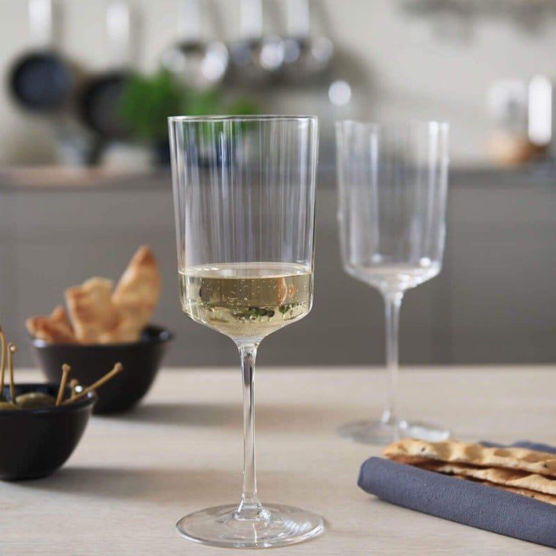 Бокали для білого вина: винні фужери для сухого, правильна висота, які вибрати