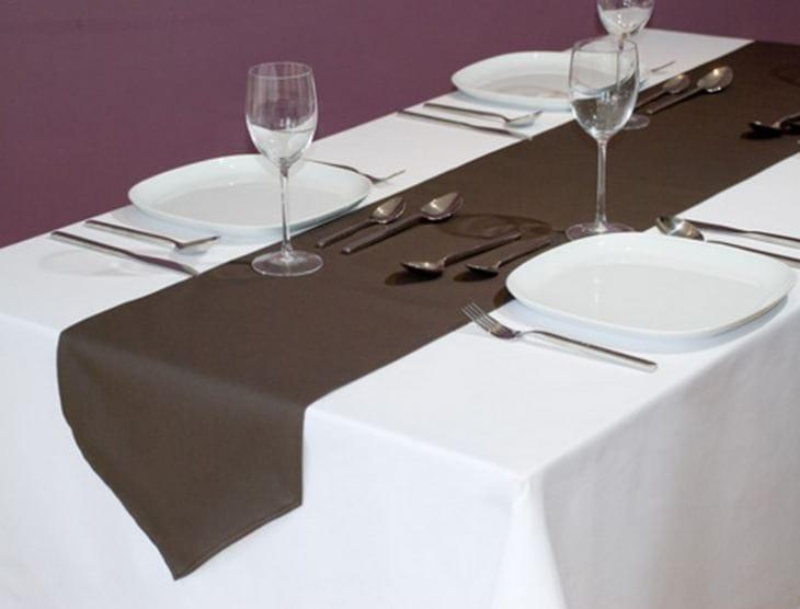 Водостійка скатертину з просоченням для кухні: види просочення, форми, додаткові корисні властивості