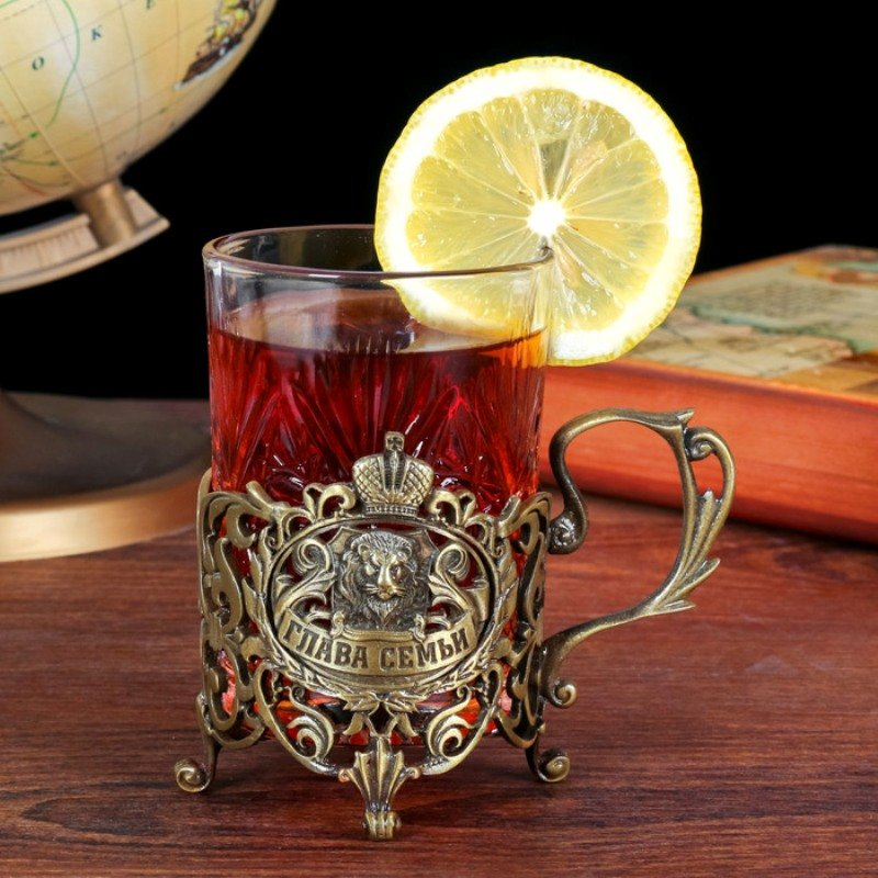 Склянку з підсклянником подарунковий: набір скляних стаканів, переваги таких склянок, матеріали